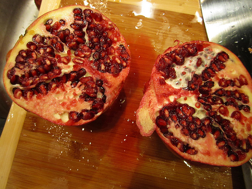Winter Fruit Salad: Pomegranate and Persimmon | IntroAmerica
